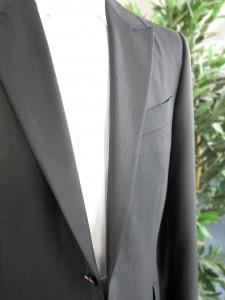 イタリア製のメタリックブラックのオーダー素材