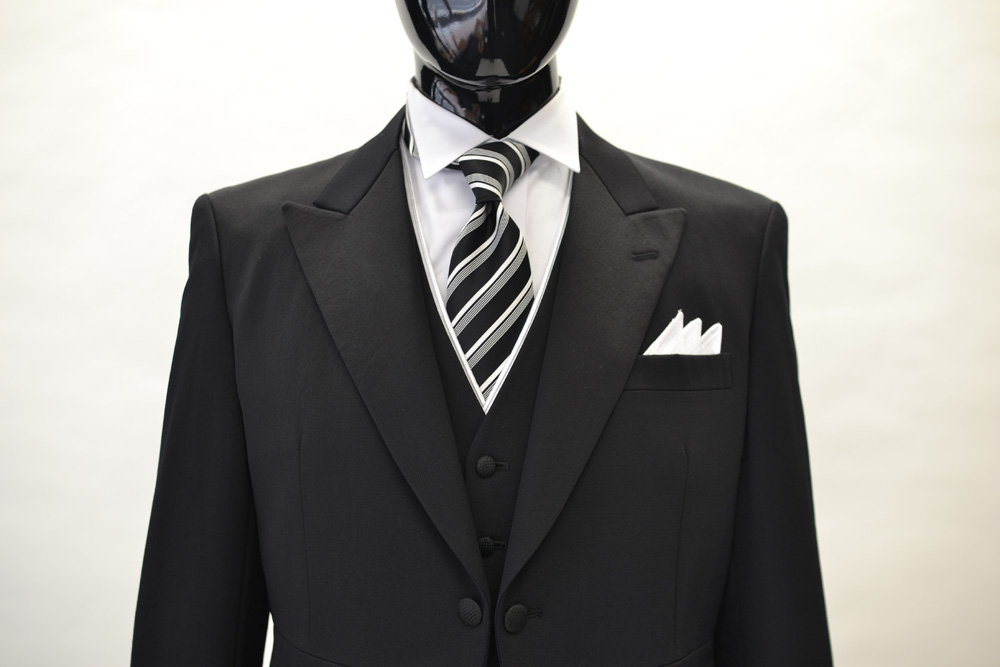 新郎のお父様にお勧めのブラックネクタイ
