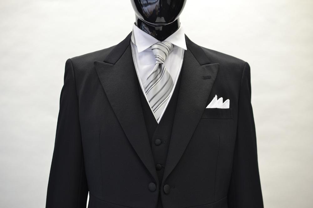 新婦のお父様にお勧めのグレーネクタイ