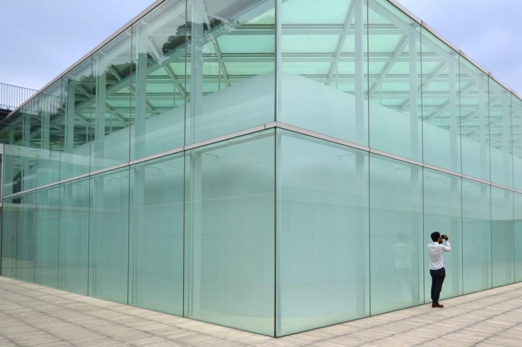 ロケーション撮影スポット ガラス